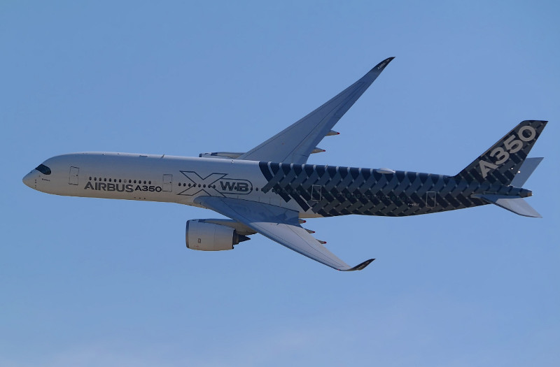 Airbus A350 (credits: Luc / Flickr Creative Commons Attribution-NonCommercial 2.0 Generic (CC BY-NC 2.0))
