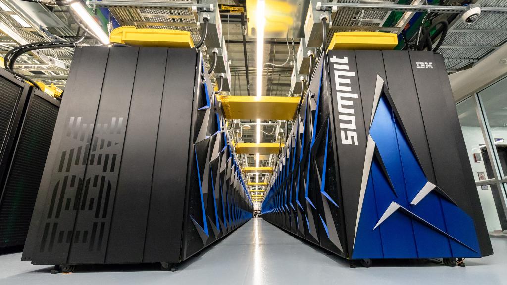 ORNL lance Summit Supercomputer le 8 juin 2018. Summit fournira une puissance de calcul sans précédent pour la recherche dans les domaines de l'énergie, des matériaux avancés et de l'intelligence artificielle, permettant des découvertes scientifiques auparavant impossibles ou impossibles. (Crédit: OLCF chez ORNL / Flickr Creative Commons Attribution 2.0 Generic (CC BY 2.0))