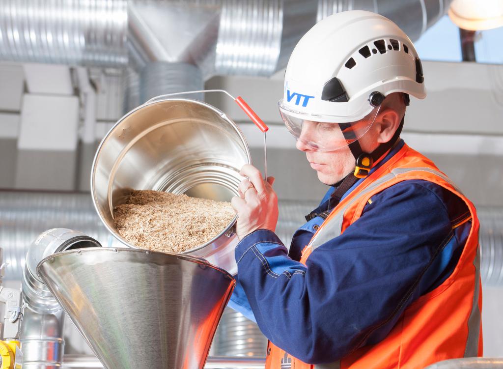 Développement de nouveaux produits à base de biomasse chez VTT (credits: VTT Technical Research Centre of Finland / Flickr Creative Commons Attribution-NonCommercial-NoDerivs 2.0 Generic (CC BY-NC-ND 2.0))