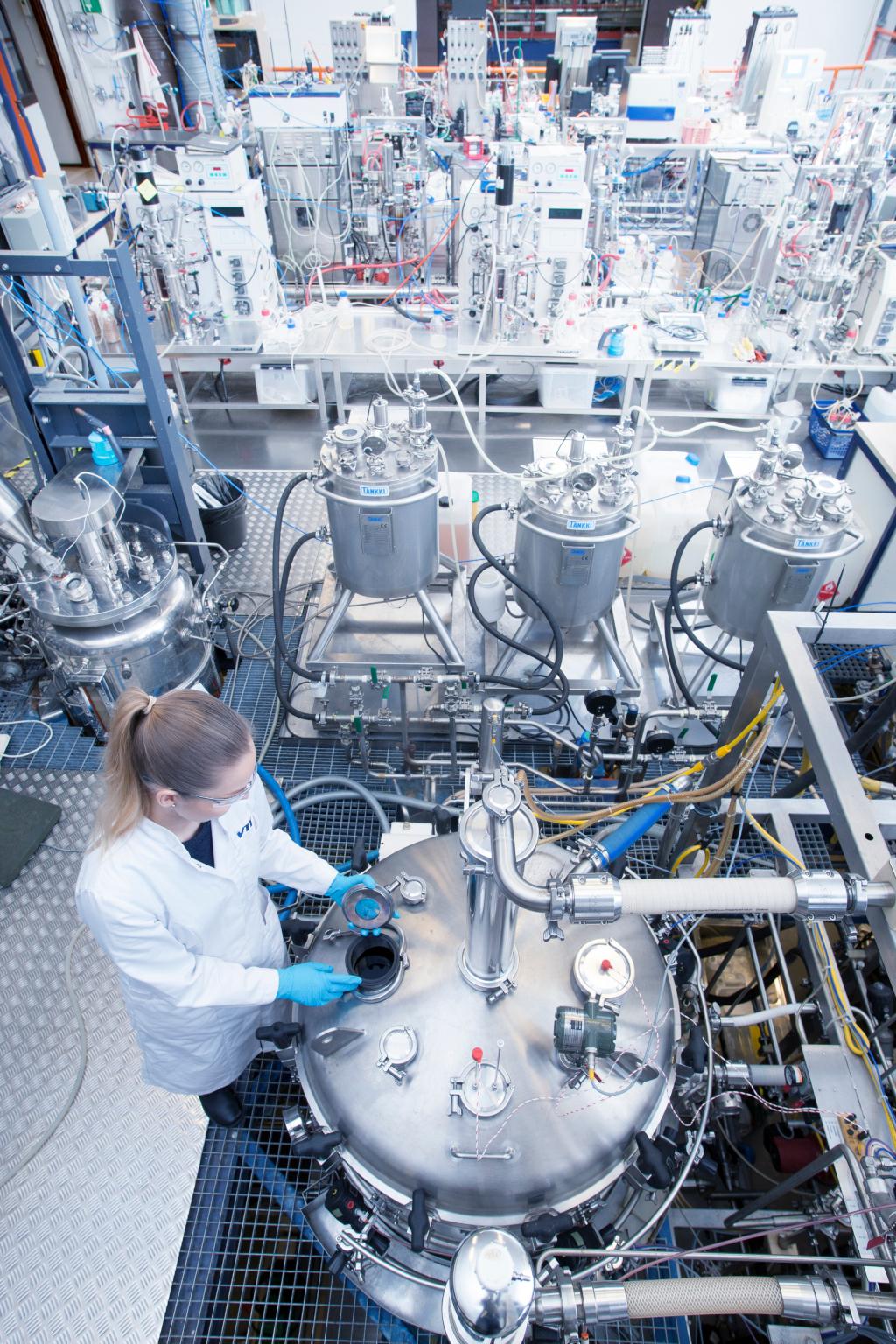 Développement de bioprocédés - Fermentation (crédits: VTT Technical Research Centre of Finland / Flickr Creative Commons Attribution-NonCommercial-NoDerivs 2.0 Generic (CC BY-NC-ND 2.0))