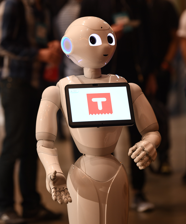 Le Robot Softbank sur le stand BETA Startup lors de la troisième journée de Collision 2018 (crédits: Stephen McCarthy/Collision via Sportsfile / Flickr Creative Commons Attribution 2.0 Generic (CC BY 2.0))