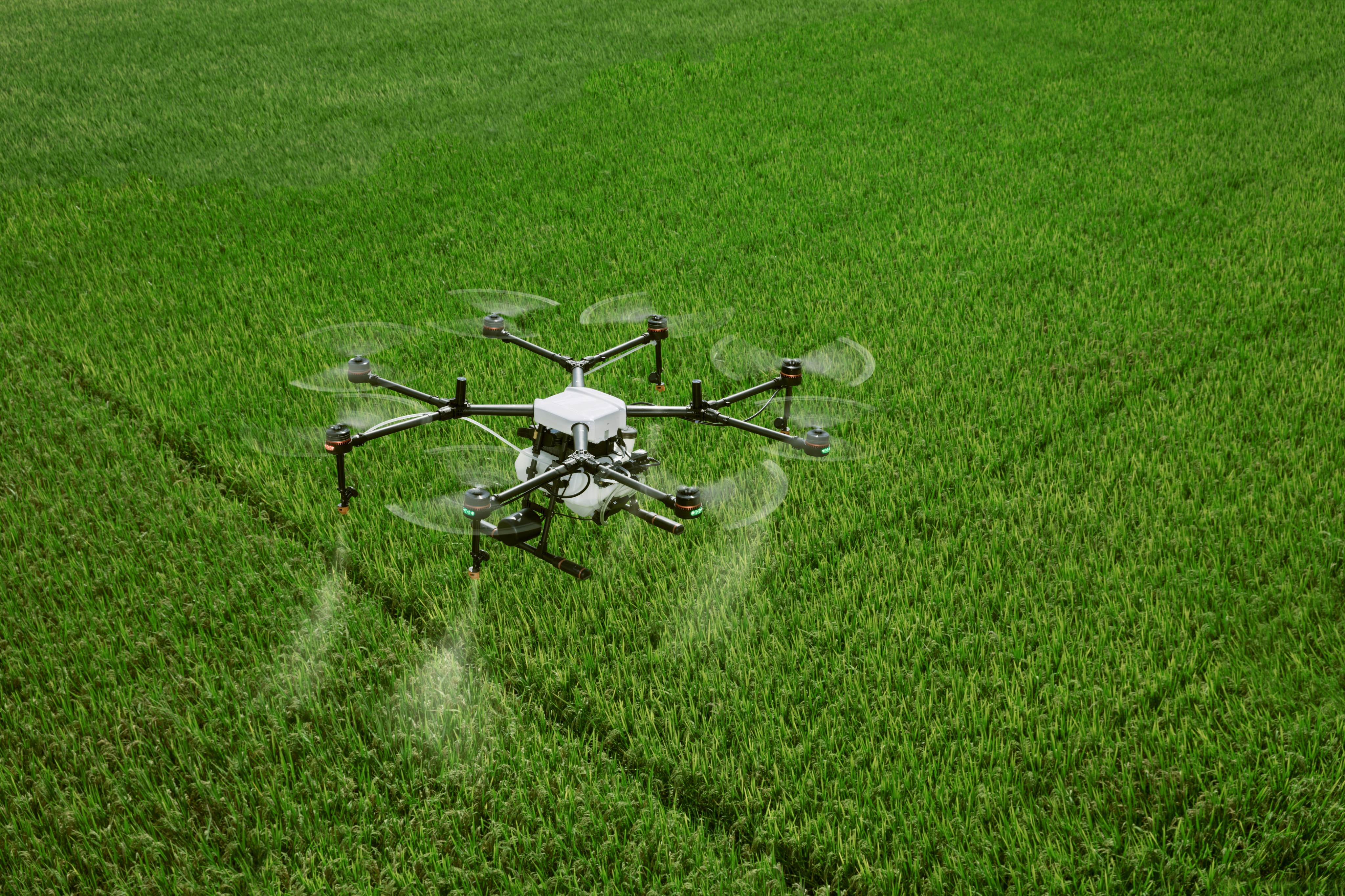 Spraying drone (Public Domain from Pixabay.com)