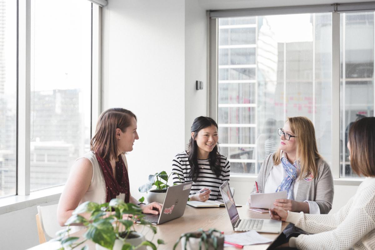 Les femmes dans la technologie (crédits: Girl Geek Academy / Flickr Creative Commons Attribution 2.0 Generic (CC BY 2.0))