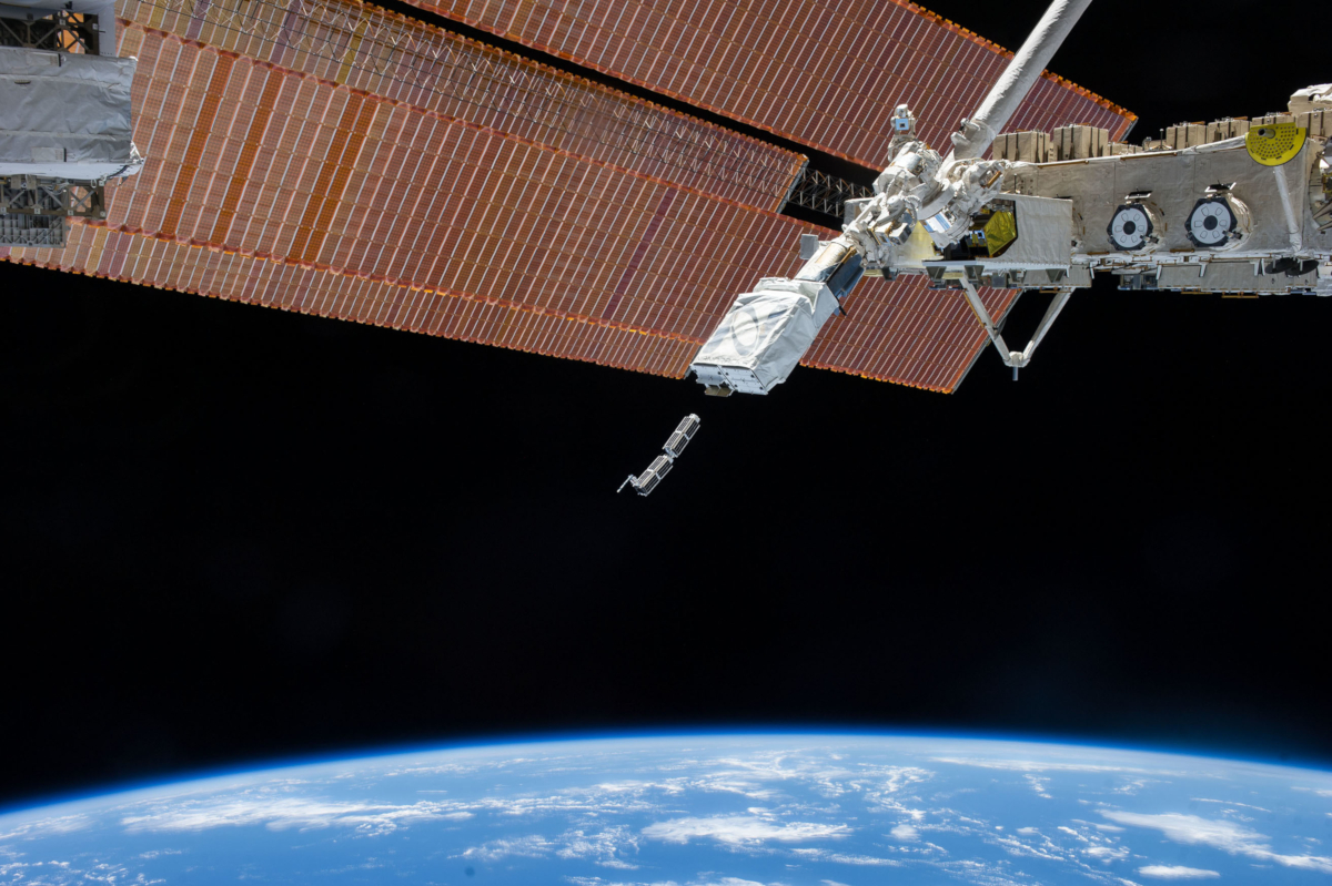 Nano CubeSats (credits: NASA Kennedy / Flickr Creative Commons Attribution-NonCommercial-NoDerivs 2.0 Generic (CC BY-NC-ND 2.0))