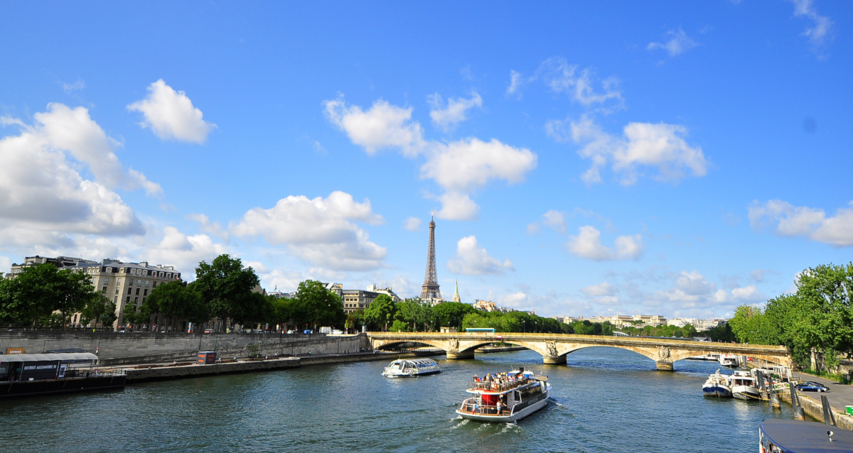 Paris, France (Image by geladesignstudio from Pixabay)