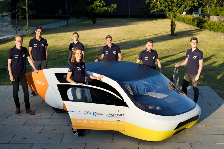 La voiture solaire Stella Era du Solar Team Eindhoven (crédits: TU/e, Bart van Overbeeke / Solar Team Eindhoven / Flickr Creative Commons Attribution - Pas d'Utilisation Commerciale - Pas de Modification 2.0 Générique (CC BY-NC-ND 2.0))