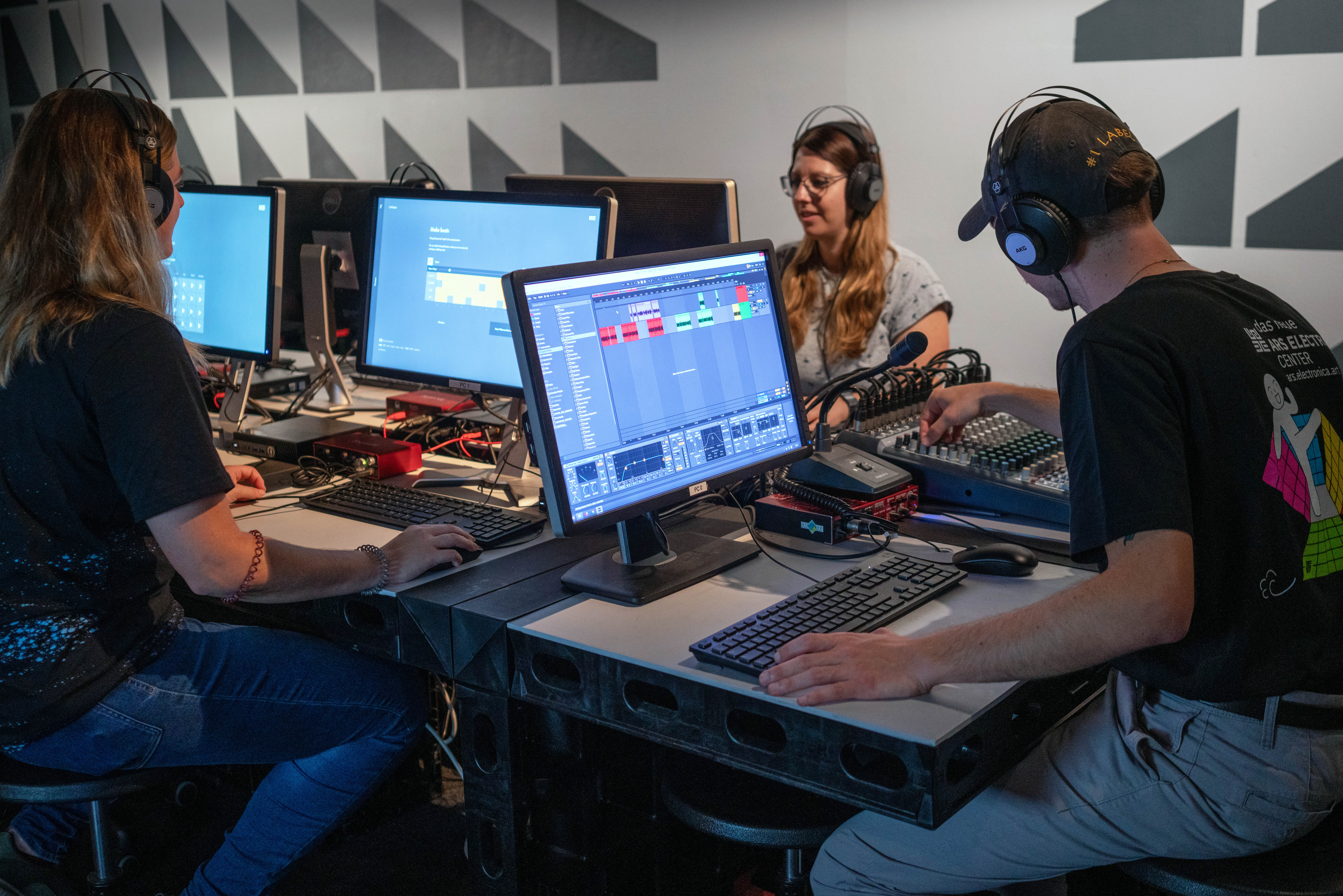 Open Soundstudio (credits: Ars Electronica / Robert Bauernhansl / Flickr Creative Commons Attribution-NonCommercial-NoDerivs 2.0 Generic (CC BY-NC-ND 2.0))