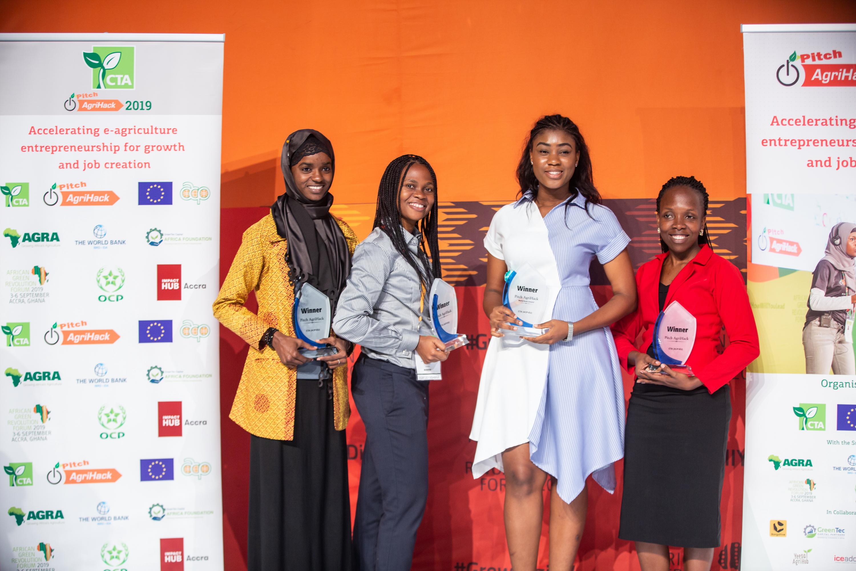 Les lauréates du concours Pitch AgriHack 2019 (crédits: CTA ACP-EU / Flickr Creative Commons Attribution - Partage dans les Mêmes Conditions 2.0 Générique (CC BY-SA 2.0))
