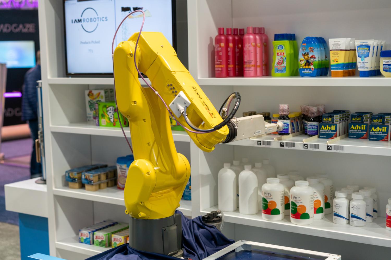 Robot pour le secteur retail présentée au CES 2020 (crédits: Duncan Rawlinson - Duncan.co https://duncan.co/ces/ / Flickr Creative Commons Attribution - Pas d'Utilisation Commerciale 2.0 Générique (CC BY-NC 2.0))