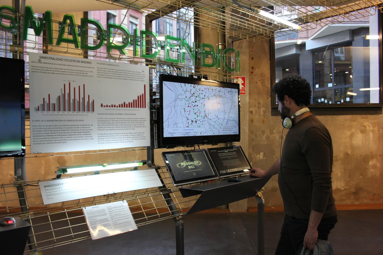 Exposition Ojo al data (crédits: Medialab Prado / Flickr Creative Commons Attribution - Partage dans les Mêmes Conditions 2.0 Générique (CC BY-SA 2.0))